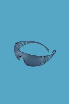 3M SecureFit SF202AF-EU védőszemüveg - 1 db - Füstszínű