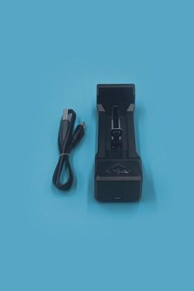 Akkumulátor töltő 18650-es Li-ion akkumulátorhoz - Akkumulátor töltő - 1 db